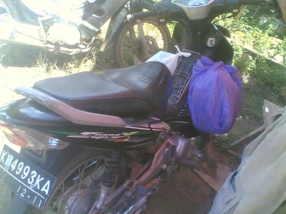 motor yang ditumpangi oleh keluarga yang mengalami musibah
